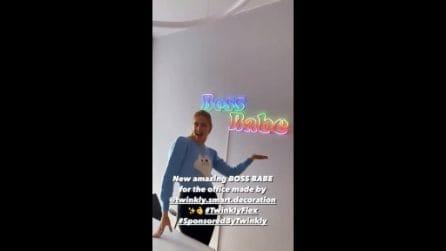 Boss Babe: il nuovo neon di Chiara Ferragni in ufficio è un inno al girl power