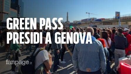 """Green Pass, presidi a Genova: """"Obbligo sul lavoro è discriminatorio"""""""