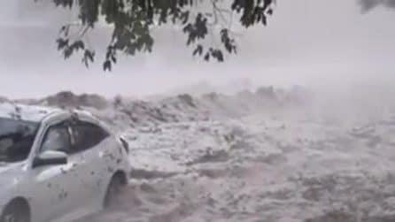 Australia, ondata di maltempo distruttiva: vento e grandine devastano intere strade