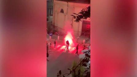 """Fuochi d'artificio e petardi a Milano, i video dei residenti in protesta: """"Qui terra di nessuno"""""""